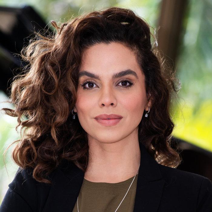 Dra Luciana Araújo Palestrante DMT Palestras